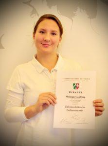 Monique Grafenweg - Abschluss zur Zahnmedizinischen Fachassistentin ZMF